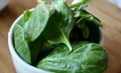 Spinaci: 11 benefici e proprietà per la salute