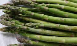 Asparagi: 16 benefici e proprietà per la salute