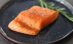 Salmone: 18 benefici e proprietà per la salute
